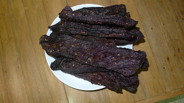 Cách ăn thịt trâu gác bếp, chế biến trâu khô đúng kiểu - Trâu gác bếp